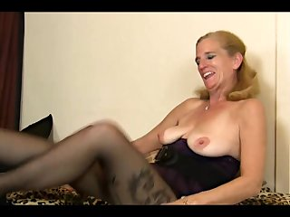 (4) GILF on her own