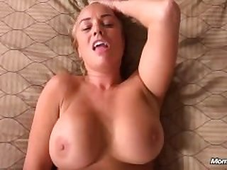 Hot Texas Milf Gets A Nice Creampie