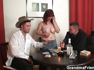 Strip poker leads to old threesome