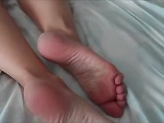 Cum on mature feet