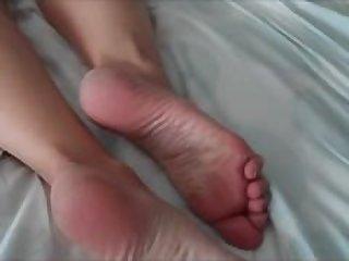 Cum on mature feet