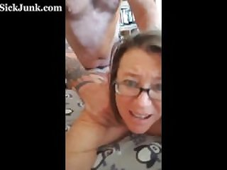 Freaky Mom Selfies Her Own Anal