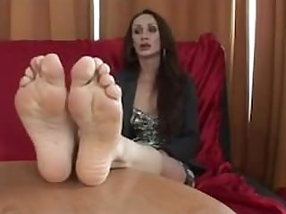 Footjob Interview - Cynthia Vellons - MILF