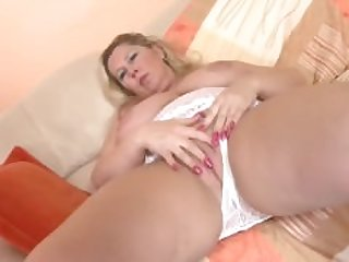 Chubby Russian Mature With dildo