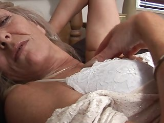 Mature solo stocking 1