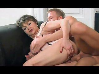 Young stud fucked hot gilf