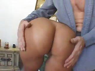 Brunette HouseWife FckedinAss