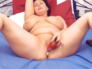 Chubby Big Boobs Mature Webcam girl..