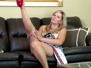Amazing amateur mature mother on leather..
