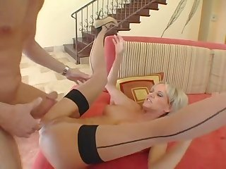 Sexbomb Granny in Stockings