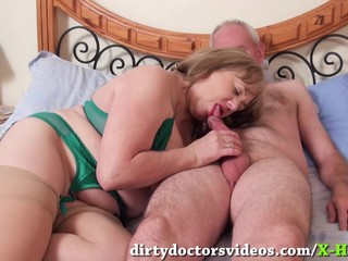 Cock Sucking Mature Trisha Gets a..