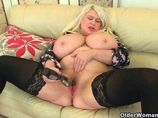 Big titted milf Sam fucks herself with a..
