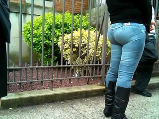 Colombian Lady's Round Ass