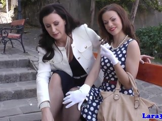 Glamour brit pussyrubbed over milfs lap